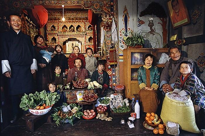 Что съедают семьи из 15 стран мира за неделю (3)