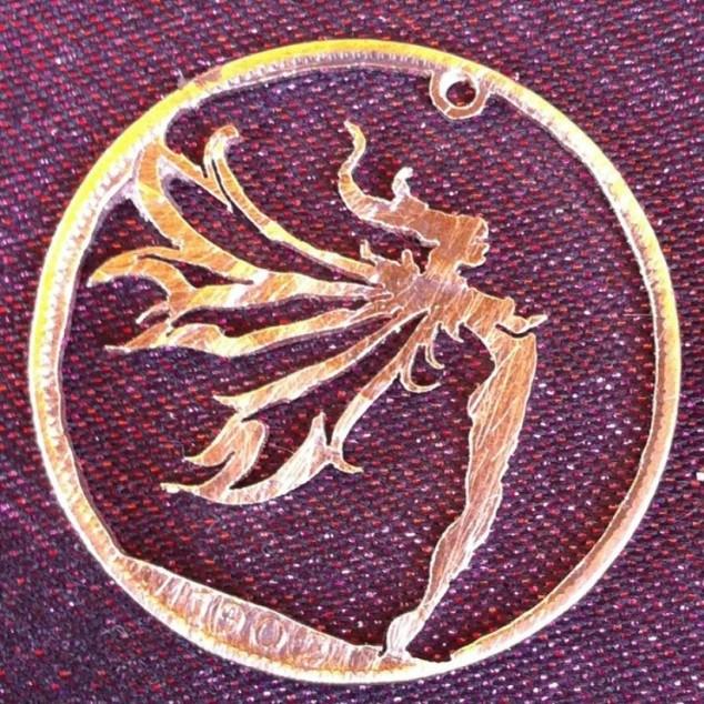 Красивые кулоны из старых монет (15)