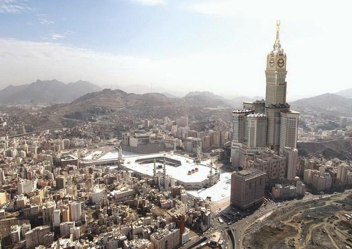 """Огромная башня с часами в Саудовской Аравии — """"Makkah Clock Royal Tower"""", мега стройка (17)"""