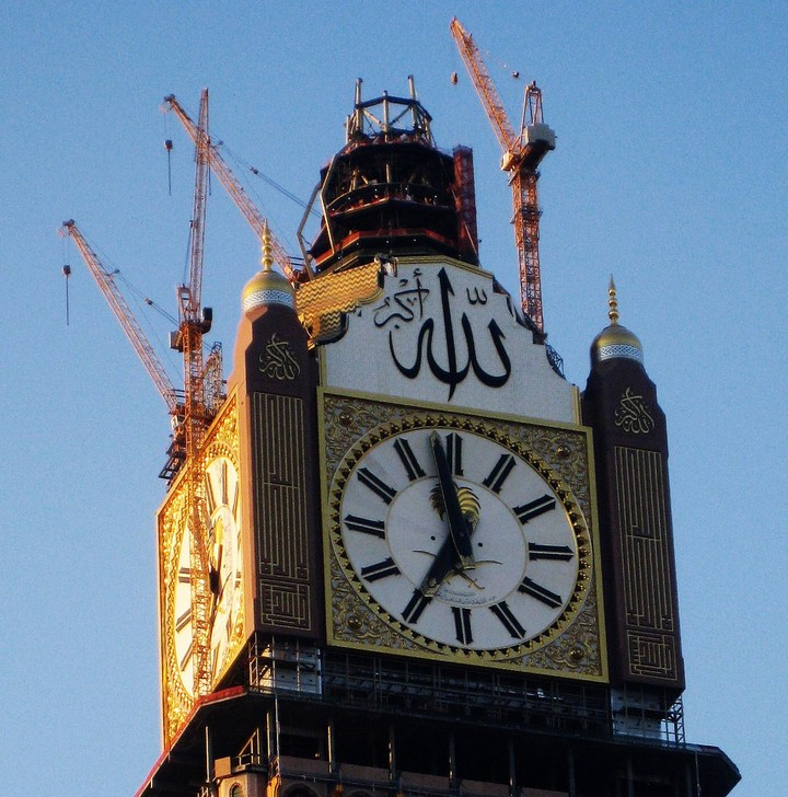 """Огромная башня с часами в Саудовской Аравии — """"Makkah Clock Royal Tower"""", мега стройка (21)"""