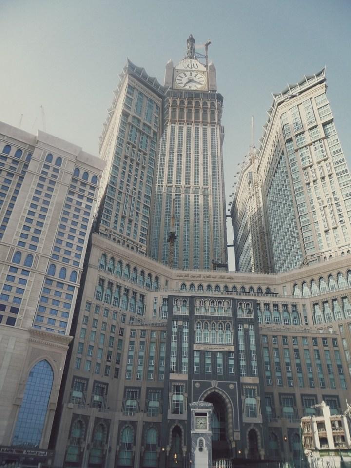 """Огромная башня с часами в Саудовской Аравии — """"Makkah Clock Royal Tower"""", мега стройка (25)"""