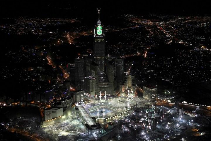 """Огромная башня с часами в Саудовской Аравии — """"Makkah Clock Royal Tower"""", мега стройка (28)"""