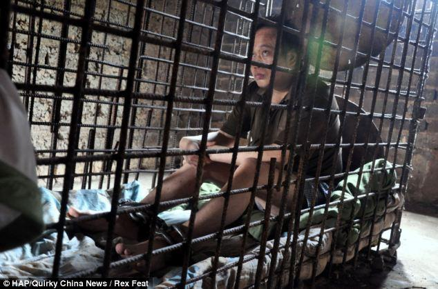 12 лет в клетке — страшное наказание (1)