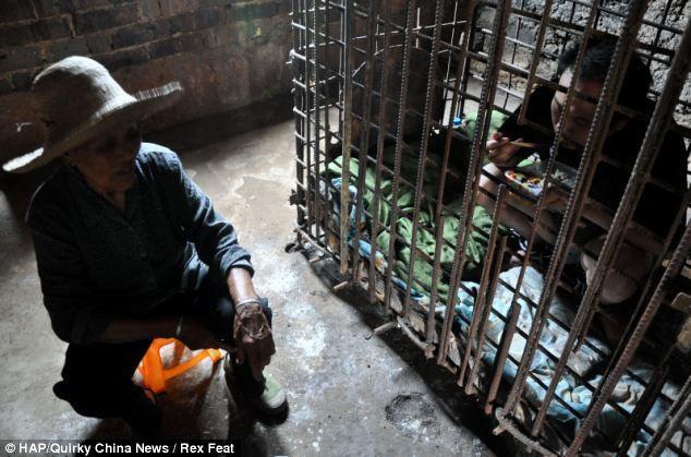 12 лет в клетке — страшное наказание (3)