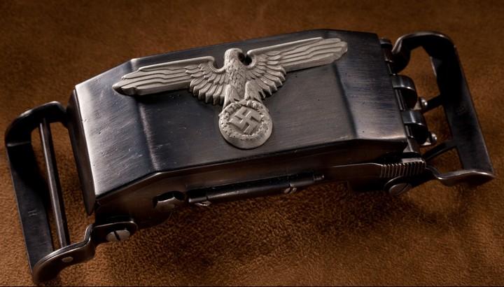 Пряжка-пистолет нацистских офицеров СС (1)