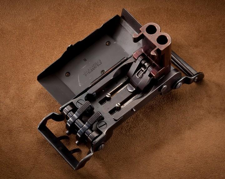 Пряжка-пистолет нацистских офицеров СС (5)