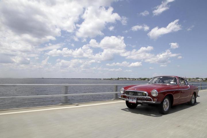 Автомобиль с самым большим пробегом Volvo P1800, самый надежный автомобиль (4)