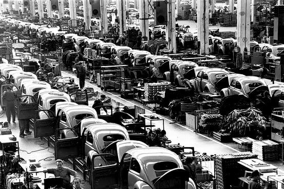 Старые фотографии с завода Фольксваген, производство Фольскваген Жук (3)