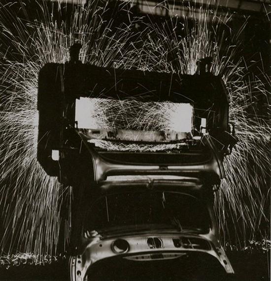 Старые фотографии с завода Фольксваген, производство Фольскваген Жук (8)