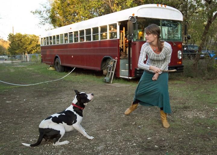 Автобус вместо дома, жизнь в автобусе (6)