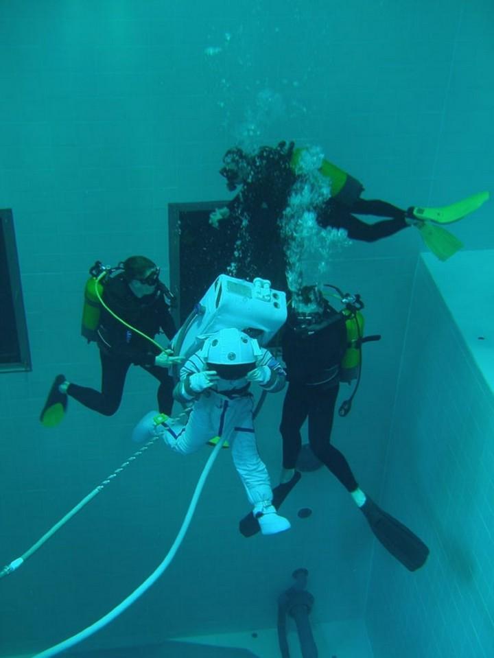 Самый глубокий бассейн в мире расположен в Бельгии (8)