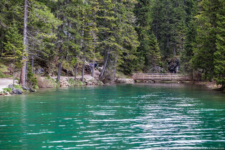 Озеро Брайес (Lago di Braies) в Италии (8)
