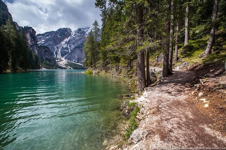 Озеро Брайес (Lago di Braies) в Италии (9)