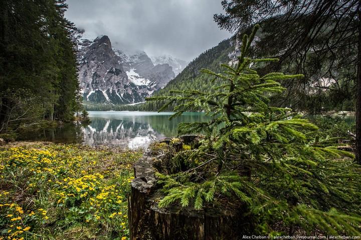 Озеро Брайес (Lago di Braies) в Италии (13)