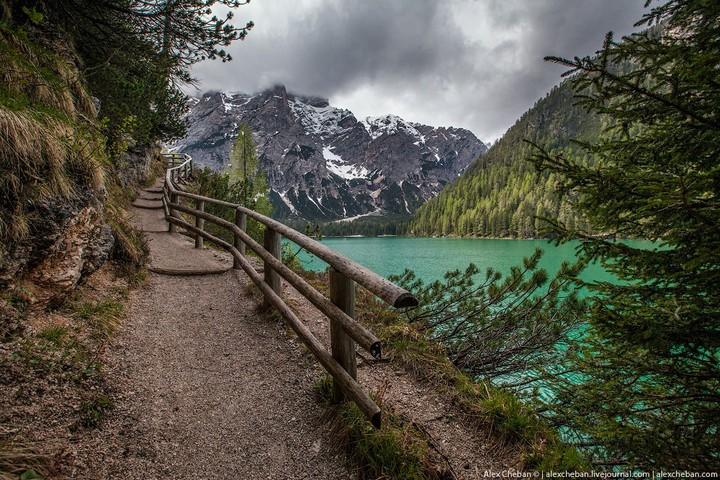 Озеро Брайес (Lago di Braies) в Италии (15)