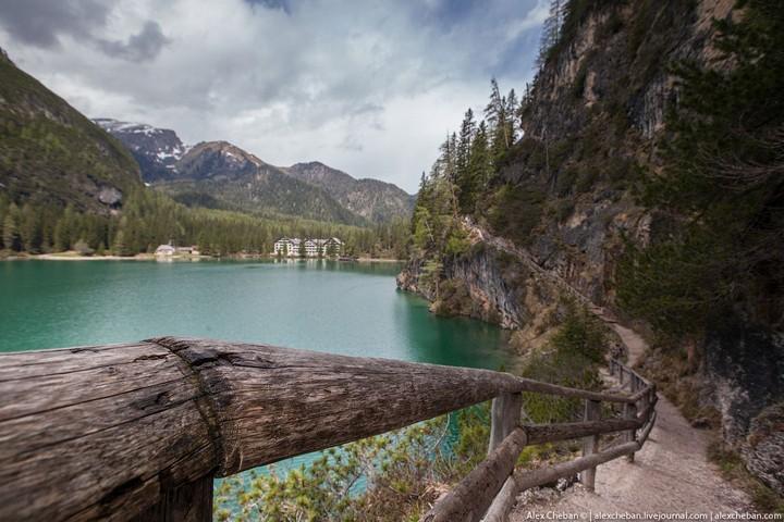 Озеро Брайес (Lago di Braies) в Италии (16)