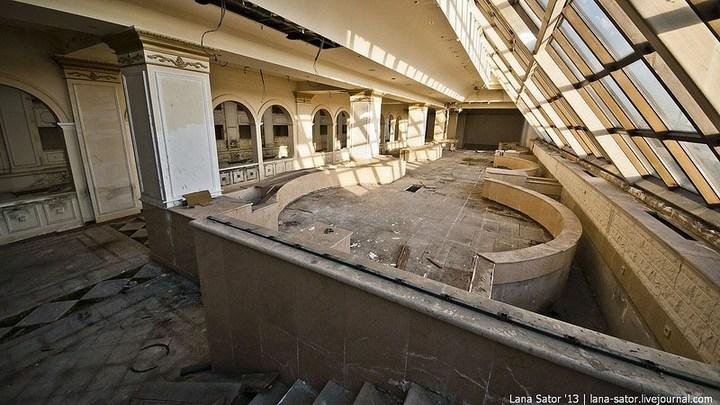 Абандон. Заброшенная пятизвездочная гостиница в Питере (21)