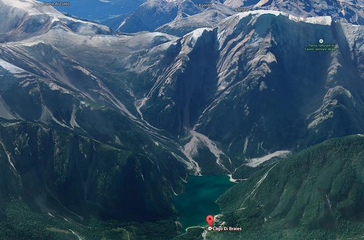 Озеро Брайес (Lago di Braies) в Италии (23)