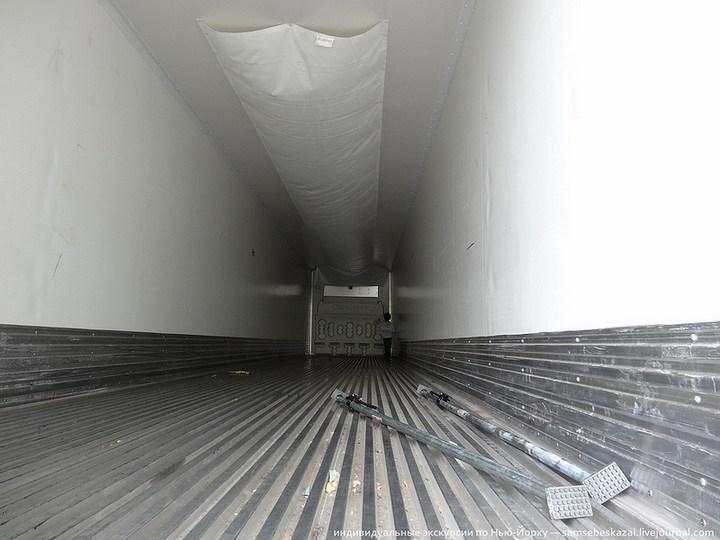 Американский грузовик Freighliner Cascadia внутри кабины, как выглядит американский тягач внутри, органы управления (24)