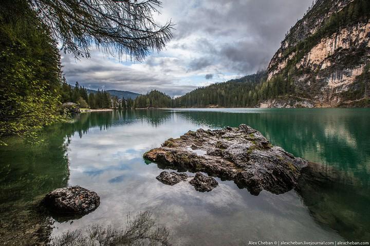 Озеро Брайес (Lago di Braies) в Италии (24)