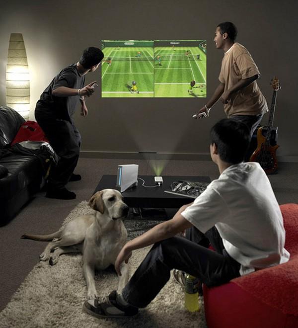 Как источники света влияют на интенсивность передачи видеоданных в портативных проекторах