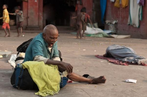Как спят люди в Индии (10)
