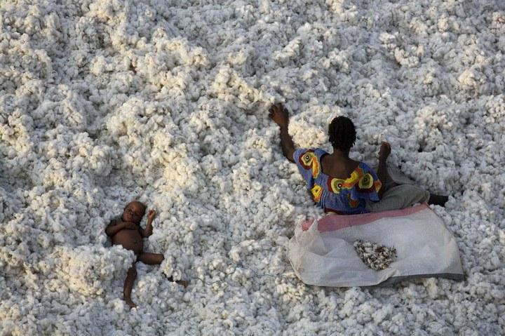 Сортировка хлопка в Буркина-Фасо