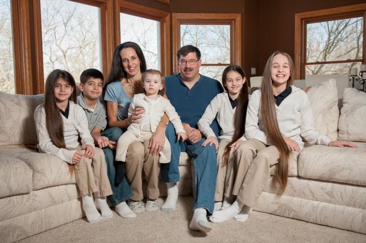 Семья с длинными волосами (11)