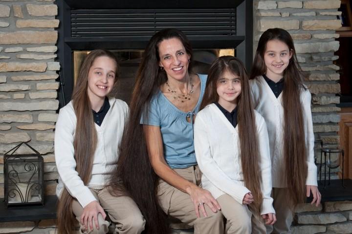 Семья с длинными волосами (12)