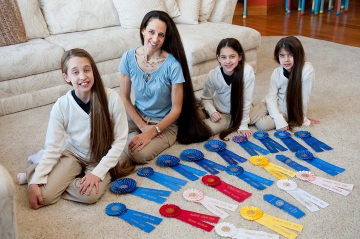 Семья с длинными волосами (5)