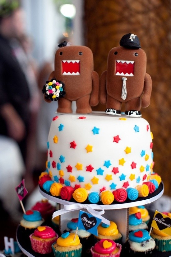 Самые необычные и красивые свадебные торты. Прикольные торты на свадьбу (17)