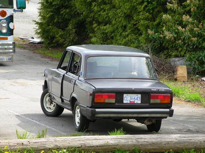Русские машины на улицах Америки и Канады (18)