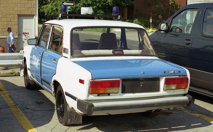 Русские машины на улицах Америки и Канады (20)