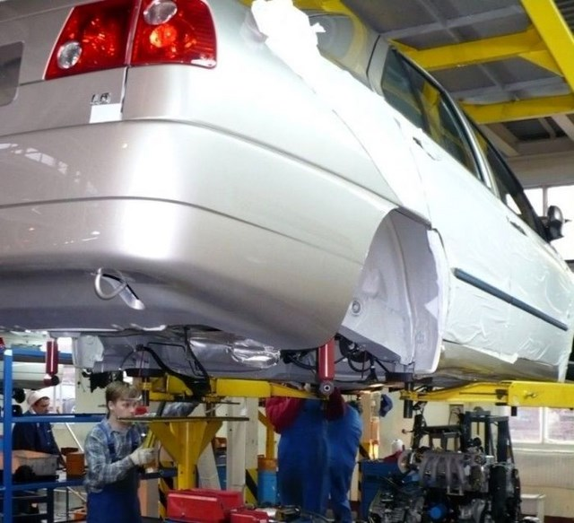Фото с завода по сборке автомобилей (30)