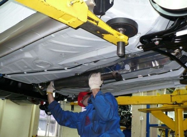 Фото с завода по сборке автомобилей (39)