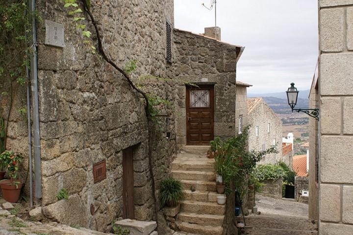 Монсанто - каменная деревня в Португалии (3)