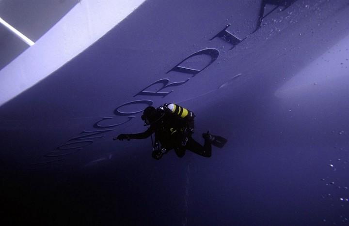 Операция по подъему лайнера Costa Concordia (10)