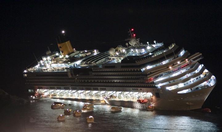 Операция по подъему лайнера Costa Concordia (1)