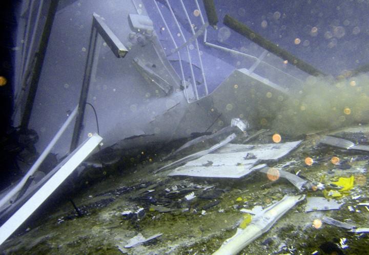 Операция по подъему лайнера Costa Concordia (12)