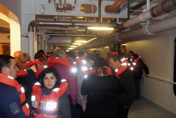 Операция по подъему лайнера Costa Concordia (2)