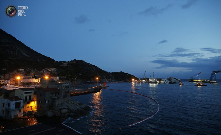 Операция по подъему лайнера Costa Concordia (27)