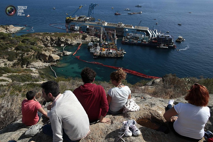 Операция по подъему лайнера Costa Concordia (31)