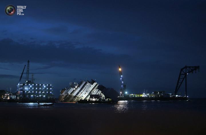 Операция по подъему лайнера Costa Concordia (37)