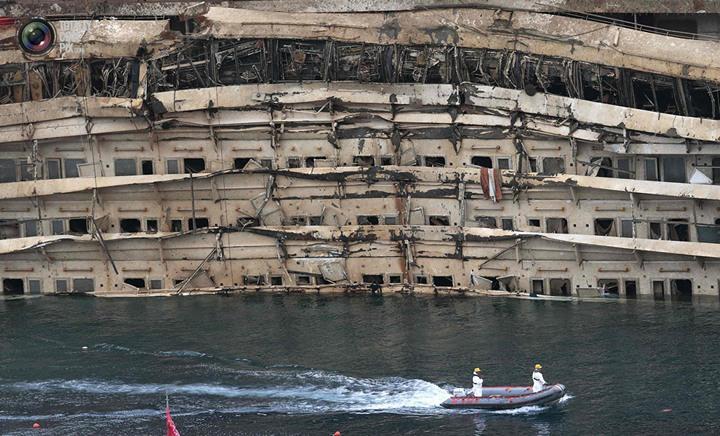 Операция по подъему лайнера Costa Concordia (47)
