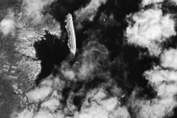 Операция по подъему лайнера Costa Concordia (5)
