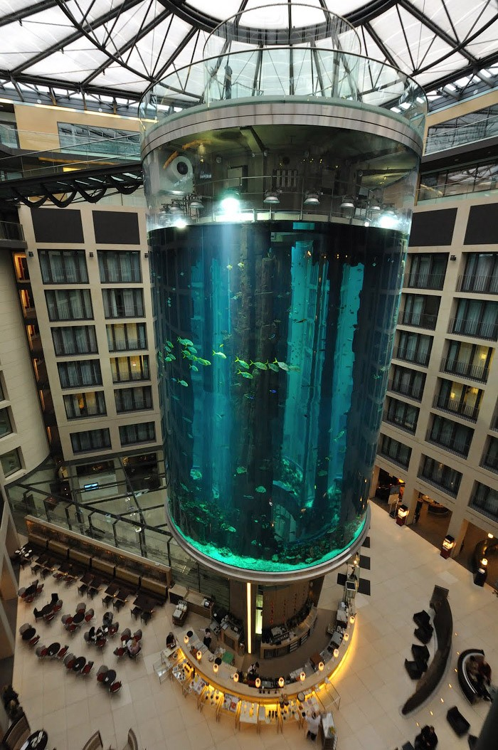 """Самый большой аквариум в отеле """"Radisson Blu"""", Германия (5)"""