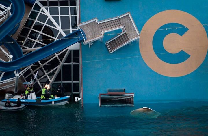 Операция по подъему лайнера Costa Concordia (7)
