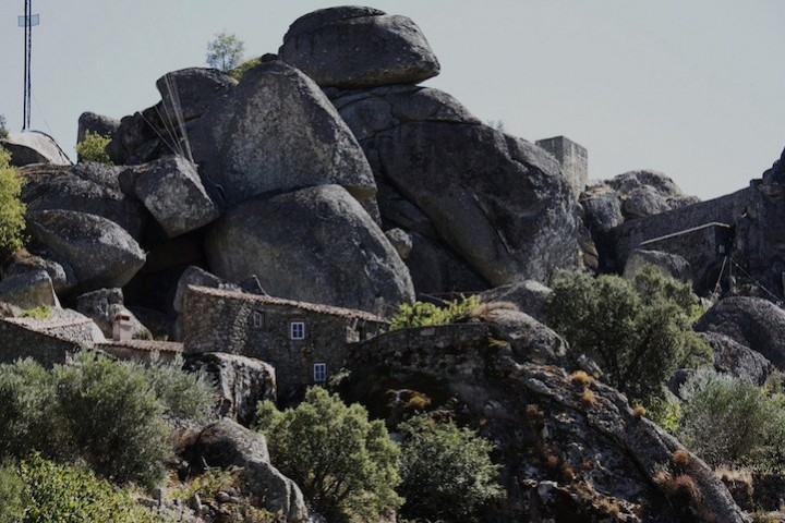Монсанто - каменная деревня в Португалии (7)