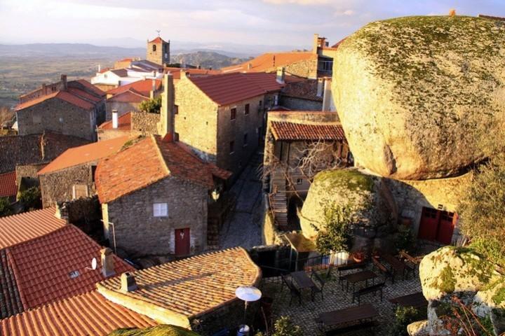 Монсанто - каменная деревня в Португалии (13)