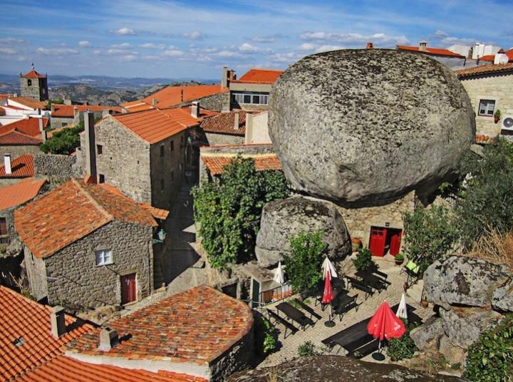 Монсанто - каменная деревня в Португалии (9)
